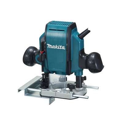 Makita håndoverfres RP0900J 900W i koffert med tilbehør verktøy.no
